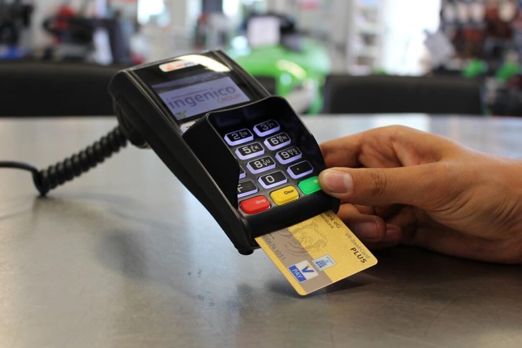 a credit card reader machine