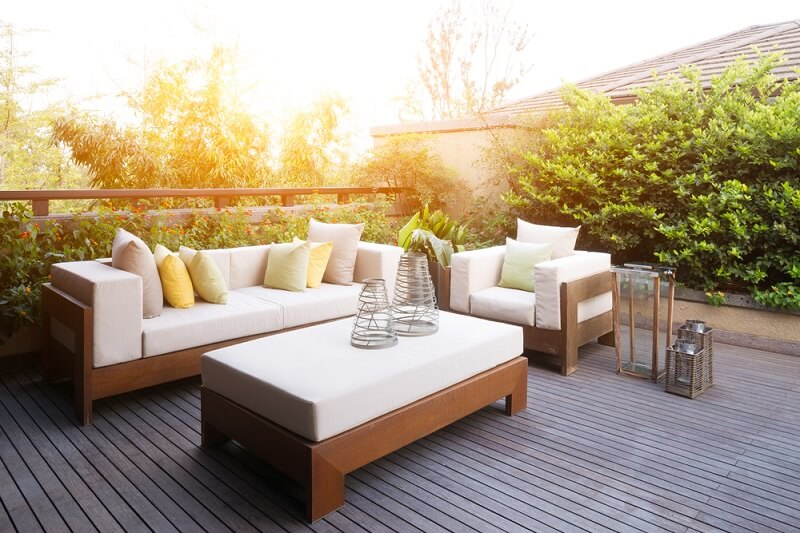 Homemade wooden benches for a budget patio makeover